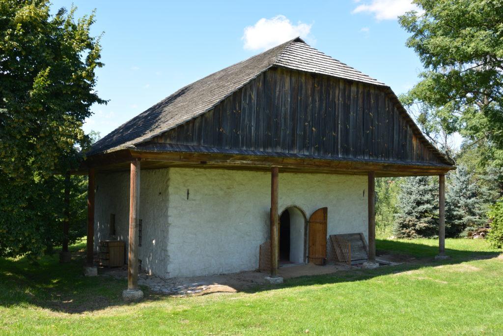 Lamus w Hawłowicach Górnych – widok z zewnątrz